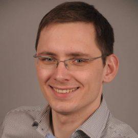 Врач-стоматолог Юрий Савченко